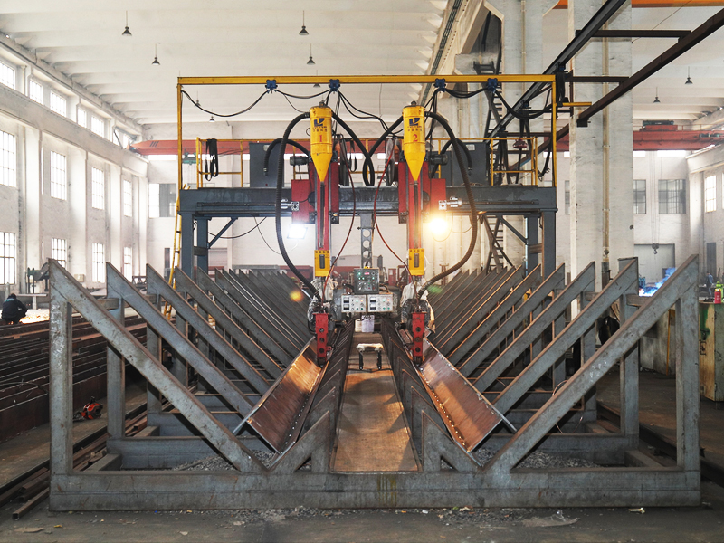 Portal Submerged Arc Welder